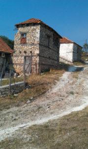 De Stichting Vla-Dobro helpt inwoners van Macedonië, o.a. op gebied van sport, welzijn, cultuur en onderwijs.